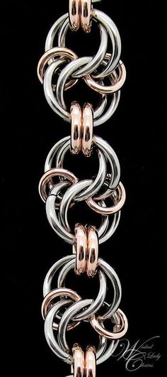 for celtic spiral knot chainmaille tutorial Jump Ring Jewelry, Metal Jewelry, Beaded Jewelry, Handmade Jewelry, Jewlery, Diy Schmuck, Schmuck Design, Celtic Spiral Knot, Chainmaille Bracelet