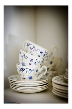blue and white china - just bought this set at the thrift store!