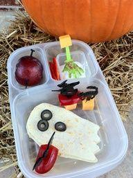 Spooky Ghost Bento - RachelsRandom.com @Kelly Lester / EasyLunchboxes #easylunchboxes #halloween #bento #minidippers