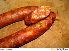 Domace udene klobasy Hot Dogs, Homemade, Meat Products, Ethnic Recipes, Sausages, Food, Scrappy Quilts, Home Made, Essen