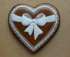 Dekoratívne medovníky - Fotoalbum - Srdiečka - Rok 2014 Honey Cookies, Iced Cookies, Royal Icing Cookies, Cupcake Cookies, Cupcakes, Valentine Desserts, Valentine Cookies, Easter Cookies, Cookie Decorating Icing