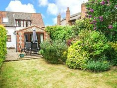 This garden is enclosed and perfect for a dog friendly stay - Kingsley Cottage, Hickling Dog Friendly Accommodation, Norfolk Broads, Dog Friends, East Coast, Cottage, Cabin, Explore, Mansions, House Styles