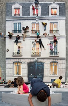 """Bâtiment (Building) Installation, by Leandro Erlich, gives visitors a chance to """"climb"""" a building like a superhero. A large vertical mirror reflects a horizontal building facade. Visitors are encouraged to scale and jump around the facade. Interactive Installation, Interactive Art, Art Installation, Installation Architecture, Interactive Exhibition, Street Art, Instalation Art, Banksy, Funny Art"""
