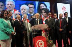 """انقسامات الحزب الحاكم في تونس تكسب حركة """"النهضة الإسلامية"""" الأغلبيته البرلمانية"""