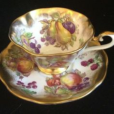 Royal Albert bone china England Gold Orchard tea cup and saucer set wit gold trim. Cup And Saucer Set, Tea Cup Saucer, Tea Cups, Vintage Cups, Vintage Tea, Fine Porcelain, Painted Porcelain, Hand Painted, Tea Service