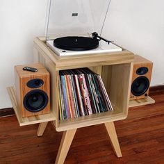 All in one turntable piece. Love the bamboo speakers! All in one turntable piece. Love the bamboo speakers! Record Player Table, Record Table, Record Cabinet, Record Players, Record Player With Speakers, Audio Player, Whole Home Audio, Diy Furniture, Furniture Design