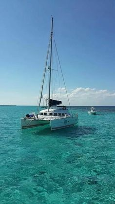 My version of a mobile home,  Caribbean living. Lower latitudes better attitudes!