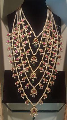 Beaded Jewelry Designs, Bead Jewellery, Jewelry Patterns, Necklace Designs, Indian Wedding Jewelry, Indian Jewelry, Bridal Jewelry, Gold Jewelry, Trendy Jewelry