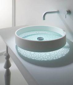 波光粼粼的光影洗手池 | 好生活