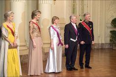 La famille royale de Belgique avec le président allemand et sa compagne au château de Laeken à Bruxelles, le 8 mars 2016