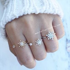 Open Snowflake rings & Snowflake ring from @hellomissapple. Shop now at hellomissapple.com for perfect winter accessories. Don't forget to follow @hellomissapple @hellomissapple @hellomissapple
