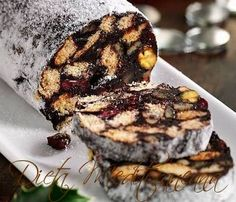 This fridge cake recipe looks impressive but is really easy to make. Instead of digestive biscuits, you can use leftover amaretti, biscotti and other Christmas biscuits. Italian Desserts, Just Desserts, Fridge Cake, Cake Recipes, Dessert Recipes, Christmas Biscuits, Digestive Biscuits, Romanian Food, No Bake Pies