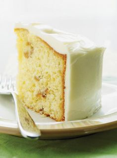 Ricardo Cuisine helps you find that perfect cake recipe. Learn how to make chocolate cake, butter cake, cupcakes, vanilla frosting, and more. No Bake Treats, Yummy Treats, Sweet Treats, Bon Dessert, Eat Dessert First, Green Tomato Cake Recipe, Cherry Chip Cake Mix, Ricardo Recipe, Cake Recipes