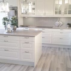 45 Fabulous Luxury White Kitchen Design Ideas For Dream Homes - More often than not, you would choose a white kitchen renovation if you are a person who yearns for spotless and sleek design for your home space. Home Decor Kitchen, New Kitchen, Home Kitchens, Kitchen Ideas, Awesome Kitchen, White Kitchens Ideas, Crisp Kitchen, Walnut Kitchen, Kitchen Size
