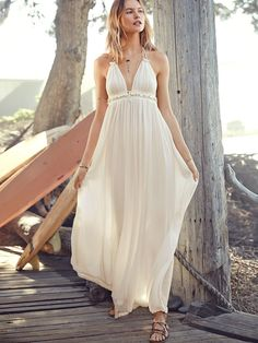 Shop Beige Spaghetti Strap V Neck Backless Maxi Dress online. SheIn offers Beige Spaghetti Strap V Neck Backless Maxi Dress & more to fit your fashionable needs. Robes Dos Nu Maxi, Bohemian Chic Fashion, Boho Style, Backless Maxi Dresses, Resort Dresses, Mode Boho, Costume, Spring Summer Fashion, Spring 2014