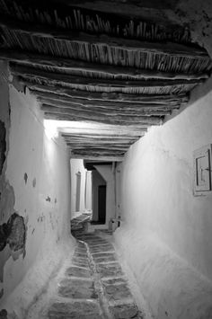 Travel photo by George Ginatis Mykonos Island, Mykonos Greece, Greece Photography, Modern Photography, Old Pictures, Old Photos, Travel Music, Photo B, Greek Life