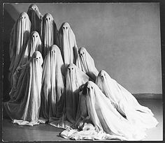 Actually, Halloween seems a fitting caption for this! Albert Renger-Patzsch, Mary Wigman's Dance School, ca. Retro Halloween, Halloween Fotos, Halloween Images, Creepy Halloween, Holidays Halloween, Halloween Decorations, Spooky Spooky, Vintage Halloween Photos, Halloween Clothes