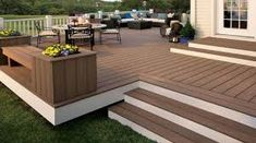 46 ideas low deck stairs planter boxes for 2019 Diy Patio, Backyard Patio, Ground Level Deck, Backyard Renovations, Decking Material, Deck Stairs, Deck Builders, Pergola, Composite Decking