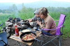 Campfire cooking: A delicious campfire breakfast. Find campfire recipes for breakfast, lunch ,dinner, snacks, breads and dessert.
