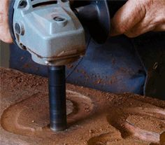 TURBOShaft      Freehand detail carving tool     Fast freehand or template letterwork carving     Carves deep and narrow internal profiles     Planing action at the tip of the shaft     Works well with templates