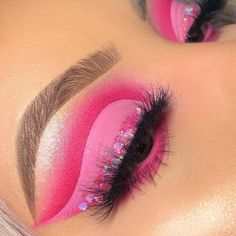 """History of eye makeup """"Eye care"""", in other words, """"eye make-up"""" has long been a Pink Eye Makeup, Makeup Eye Looks, Colorful Eye Makeup, Eye Makeup Art, Makeup For Green Eyes, Crazy Makeup, Eyeshadow Makeup, Makeup Inspo, Makeup Ideas"""