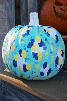 #pumpkin #paint #halloween #diy #fall #decor #doityourself #craft painted pumpkin!