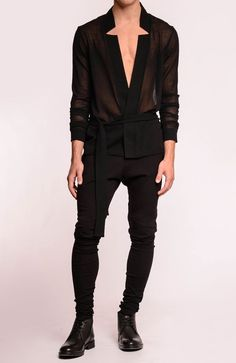 summer mens fashion which look amazing. - Men's style, accessories, mens fashion trends 2020 Fashion Male, Androgynous Fashion, Trendy Fashion, Fashion Looks, Fashion Outfits, Fashion Trends, Queer Fashion, Fashion Shirts, Style Fashion