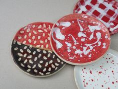 Handemade ceramics' plates by French designer Charlotte Talbot. Soon for sale at Monolocale! French Lifestyle, Partners In Crime, Scandinavian Interior, Charlotte, Artisan, Plates, Ceramics, Create, Unique
