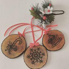 Decorazioni natalizie in legno! 3x15€ #instaitaly #picofday #italia #italy #today #homemade #fattoamano #like4like #tagsforlikes #shoponline #instalike #instalove #instagood #christmas #natale #decorazioninatalizie #decorazioni #foto_italiane #madeinitaly #mylife #myjob #instadaily #follow4follow