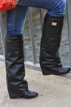 41ea952ebd8f Astérisque: studded red bag QAMRA | #AllShoes #HighHeels #Boots  #BLACKANDWHITE #ExclusiveItem #jessicabuurman @Jessica Buurman  @asterisquebysassi