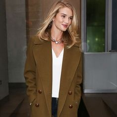 Rosie Huntington-Whiteley Earth Tones Off Duty Look