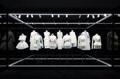 """Exposition Esprit Dior Tokyo - """"Les ateliers"""" http://www.vogue.fr/culture/a-voir/diaporama/l-exposition-esprit-dior-en-10-cliches-par-florence-mueller/21522/image/1119274#!exposition-esprit-dior-tokyo-quot-les-ateliers-quot"""