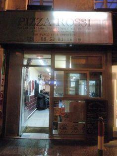 Pizza Rossi. Toute petite pizzeria qui ne paye pas de mine, proposant des très bonnes pizzas faites à base de Caputo (la rolls des farines) et de produits frais. Le chef est sorti majeur de l'école de pizzaiolo de Naples. Facebook : https://www.facebook.com/pages/Pizza-Rossi/108982849172736 - Horaires : 11h30-14h30 et 18h30-22h30 (lundi au vendredi). 18h30-22h30 (samedi). Adresse : 24 rue Blondel - 75002 Paris – Tel. 09.53.81.16.70. - Transports : métro « Strasbourg St Denis » (lignes 4, 8…