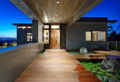 covered walkway of my dreams... Harrison Street Residence - A project by Scott Allen Architecture