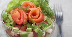 Recette de Salade light pomme, avocat et saumon fumé. Facile et rapide à réaliser, goûteuse et diététique. Ingrédients, préparation et recettes associées.