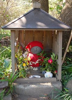 Shrines that honor stillborn and miscarried babies.