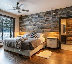 Best Modern Rustic Bedroom For Your Home. We searched the Modern Rustic Bedroom For Your Home color choices for you in the bedroom Rustic Master Bedroom, Home Decor Bedroom, Pallet Wall Bedroom, Rustic Bedroom Design, Pallet Walls, Bedroom Designs, Bedroom With Wood Wall, Wooden Bedroom, Rustic Bedrooms
