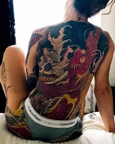 For the best back tattoos by top artists from around the world, including full back, shoulder back, back tattoos for men and back tattoos for women plus Japanese and Dragon back tattoos, check out our list of 68 of the very best back tattoos. Cool Back Tattoos, Small Back Tattoos, Back Tattoos For Guys, Back Tattoo Women, Hot Tattoos, Body Art Tattoos, Girl Tattoos, Tattoos For Women, Tattoo Girls