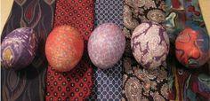 pintando huevos corbata