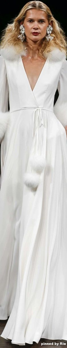Naeem Khan Bridal Fall 2017 l Ria