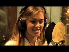 The Robertsons - Rudolph The Red Nosed Reindeer (Making Of)