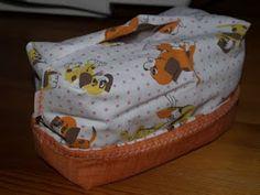 napos patchwork blog: Ünnepnap - Textil tároló készítése Textiles, Lunch Box, Blog, Scrappy Quilts, Tutorial Sewing, Bento Box, Blogging, Fabrics, Textile Art