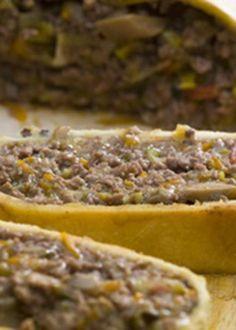 Rolo de carne em crosta de massa