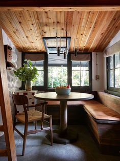 Tour This Off-The-Grid California Forest Escape | Architectural Digest