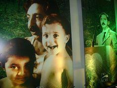 Criado na Floresta Amazônica, sem jamais frequentar uma escola e tendo de trabalhar desde os 9 anos como seringueiro, Francisco Alves Mendes Filho, conhecido como Chico Mendes, foi responsável pela mais eficaz militância ecológica já ocorrida no país, tornando-se símbolo mundial da luta pela preservação da Amazônia.