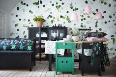 IKEA SÄLLSKAP er en hyldest til den skandinaviske tradition for kunsthåndværk og til de banebrydende idéer, der først anerkendte det fantastiske ved hjem med plads til alle.