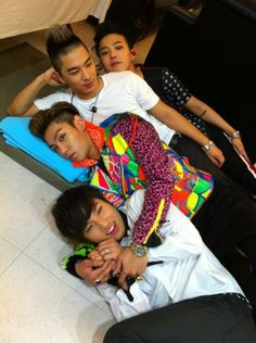 TOP's face xD What? Daesung's all cute! And where's Seungri? <<< OMG THAT DESCRIPTION