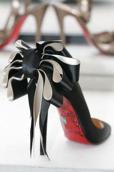 (via Sparkle Junkie / Christian Louboutin Ribbon Shoes) Ribbon Shoes, Bow Shoes, Shoes Heels, Sexy Heels, Black Heels, Black Boots, Dream Shoes, Crazy Shoes, Me Too Shoes
