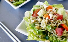 A light refreshing and easy to make healthy ramen noodle salad made with GreeNoodle Moroheiya noodles! Healthy Ramen Noodles, Ramen Noodle Salad, Ramen Noodle Recipes, Pasta Salad Recipes, Healthy Salad Recipes, Whole Food Recipes, Vegetarian Recipes, Healthy Foods, Sin Gluten
