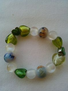 Η δύναμη και η διαχρονική αξία της χάντρας. Βραχιόλια με χάντρες σε ελαστικό νήμα χωρίς κούμπωμα. Beaded Bracelets, Jewelry, Jewlery, Jewerly, Pearl Bracelets, Schmuck, Jewels, Jewelery, Fine Jewelry